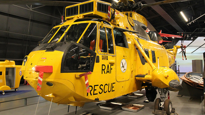 XZ585 - Westland Sea King HAR.3 - United Kingdom - Royal Air Force (RAF)