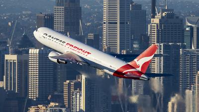 VH-EFR - Boeing 767-381F(ER) - Qantas Freight