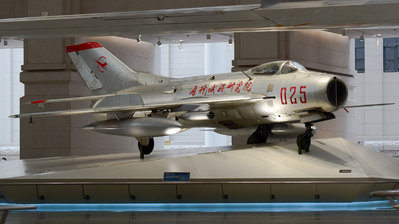 025 - Shenyang J-6 - China - Air Force