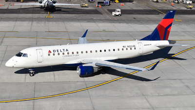 A picture of N222JQ - Embraer E175LR - Delta Air Lines - © Brady Noble