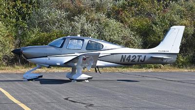 N42TJ - Cirrus SR22 - Private