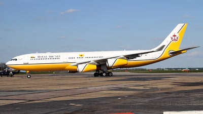 V8-BKH - Airbus A340-212 - Brunei - Sultan's Flight