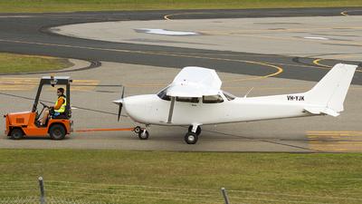 VH-YJK - Cessna 172S Skyhawk - Airflite