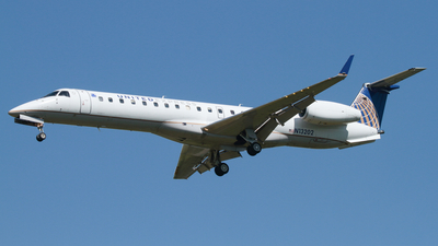 N13202 - Embraer ERJ-145XR - United Express (Commutair)