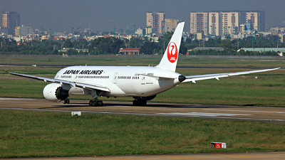 JA822J - Boeing 787-8 Dreamliner - Japan Airlines (JAL)