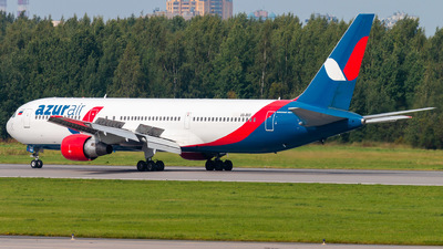A picture of VQBUO - Boeing 76733A(ER) - Azur Air - © KomradAlexey
