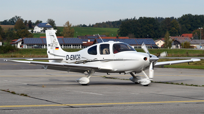 D-EMCR - Cirrus SR22-GTS - Private