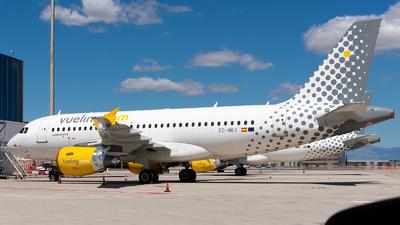 A picture of ECMKX - Airbus A319112 - Vueling - © Enrique Rubira