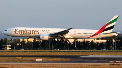 A6-EBH - Boeing 777-31HER - Emirates