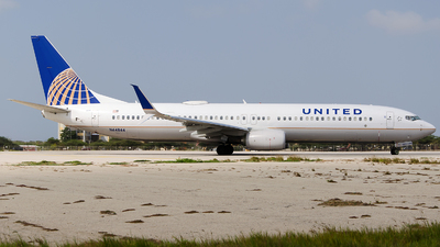 N64844 - Boeing 737-924ER - United Airlines