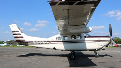 N220T - Cessna P210N Silver Eagle - Private