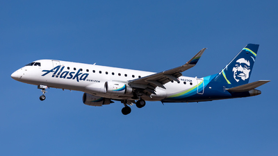 A picture of N623QX - Embraer E175LR - Alaska Airlines - © CJMoeser