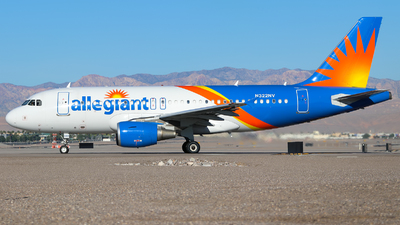 A picture of N322NV - Airbus A319111 - Allegiant Air - © Lars Rohde