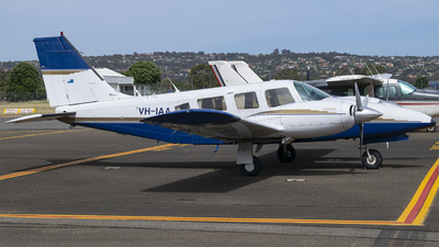 VH-IAA - Piper PA-34-200T Seneca II - Private