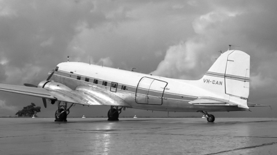 VH-CAN - Douglas C-47A Skytrain - Private