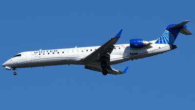 A picture of N558GJ - Bombardier CRJ701ER - United Airlines - © Matt Lino