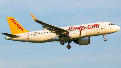 A picture of TCNBR - Airbus A320251N - Pegasus Airlines - © Finnographie