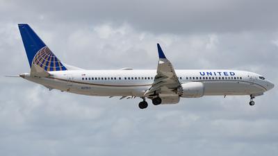 N37513 - Boeing 737-9 MAX - United Airlines