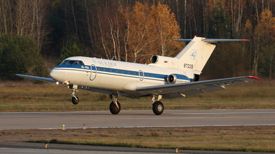 87229 - Yakovlev Yak-40 - Sukhoi Design Bureau
