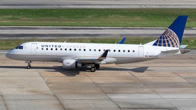 A picture of N85323 - Embraer E175LR - United Airlines - © Felipe García