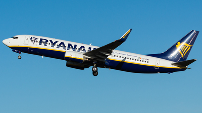 A picture of EIDWI - Boeing 7378AS - Ryanair - © Jonathan L