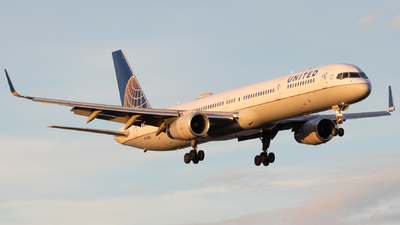 A picture of N74856 - Boeing 757324 - United Airlines - © Davin Amy