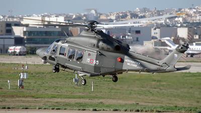 MM82013 - Agusta-Westland HH-139B - Italy - Air Force