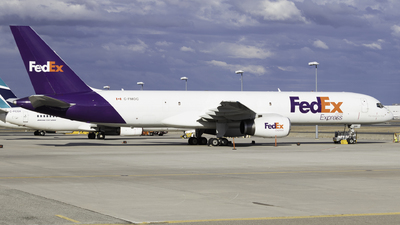 A picture of CFMOC - Boeing 7572B7(SF) - FedEx - © Shon F