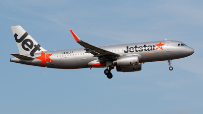 A picture of JA16JJ - Airbus A320232 - Jetstar Airways - © Age