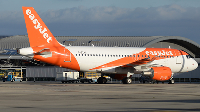 A picture of GEZAC - Airbus A319111 - easyJet - © David Oates