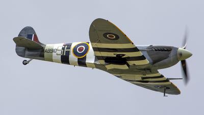 AB910 - Supermarine Spitfire Mk.VB - United Kingdom - Battle of Britain Memorial Flight (BBMF)