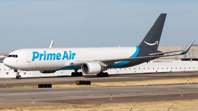 A picture of N1381A - Boeing 767316(ER)(BCF) - Atlas Air - © HA-KLS