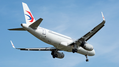 B-8119 - Airbus A320-232 - China Eastern Airlines