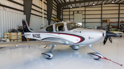 A picture of N42BE - Cirrus SR22 - [3903] - © Stephen J Stein