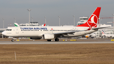 A picture of TCJVK - Boeing 7378F2 - Turkish Airlines - © Heidi Wanninger