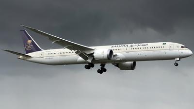 A picture of HZAR25 - Boeing 78710 Dreamliner - Saudia - © Isaac Apolinario-Philippine Aviators