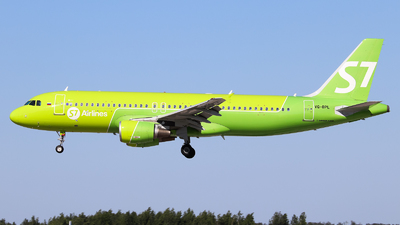 A picture of VQBPL - Airbus A320214 - S7 Airlines - © Vitaly Revyakin