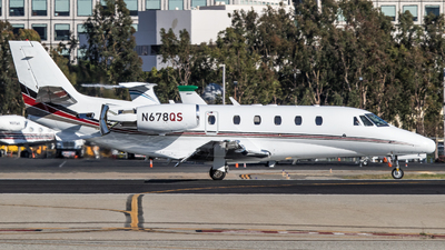 A picture of N678QS - Cessna 560XLS Citation Excel - NetJets - © Alex Crail