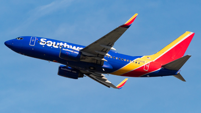 N728SW - Boeing 737-7H4 - Southwest Airlines