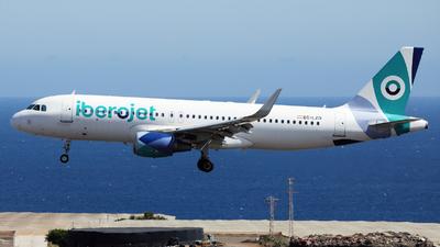 A picture of ECLZD - Airbus A320214 - Iberojet - © Román A. Pérez
