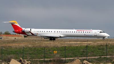 A picture of ECMUG - Mitsubishi CRJ1000 - Iberia - © Rafael Alvarez Cacho