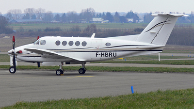 F-HBRU - Beechcraft B200 Super King Air - Private