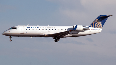 A picture of N941SW - Mitsubishi CRJ200LR - United Airlines - © PAUL LINK