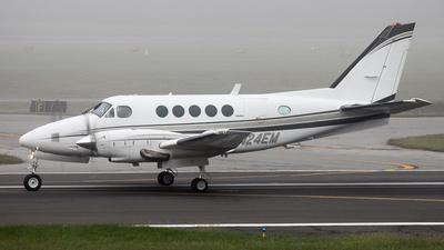 A picture of N24EM - Beech B100 King Air - [BE6] - © BaszB