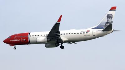 A picture of LNNOW - Boeing 7378JP - [37817] - © Eddie Heisterkamp