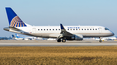 N122SY - Embraer 170-200LR - United Express (SkyWest Airlines)