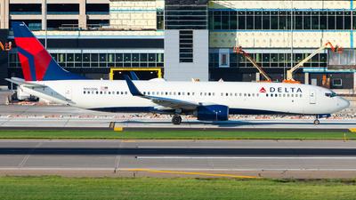A picture of N902DN - Boeing 737932(ER) - Delta Air Lines - © Nicholas Ambrosecchia