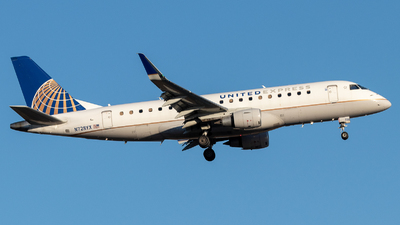 A picture of N728YX - Embraer E175LR - United Airlines - © Luke Ayers