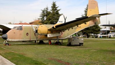 T.9-25 - De Havilland Canada C-7A Caribou - Spain - Air Force