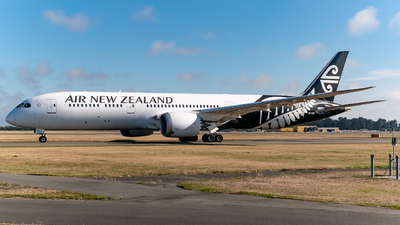 A picture of ZKNZG - Boeing 7879 Dreamliner - Air New Zealand - © DrowsySpotting